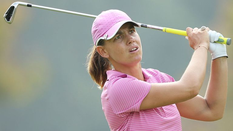 Karine Icher leads in California after 66
