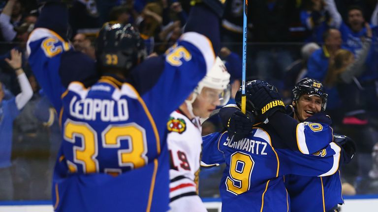 Alex Steen (r) congratulates Jaden Schwartz (No 9)