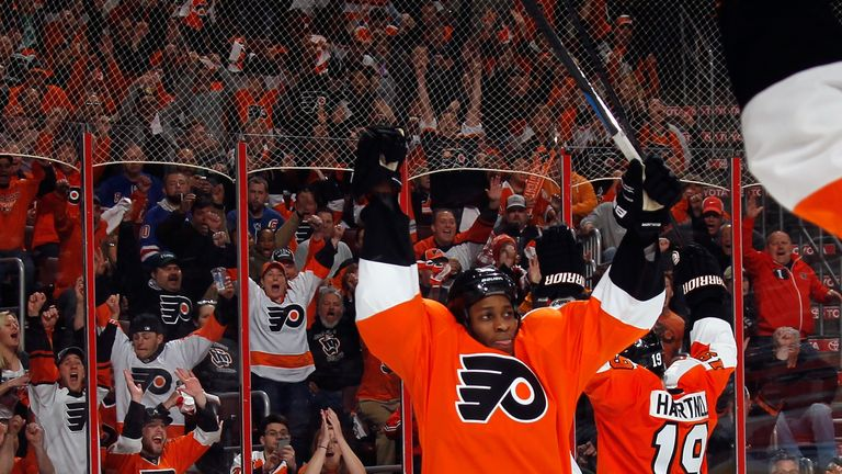 Wayne Simmonds celebrates his hat-trick for the Philadelphia Flyers