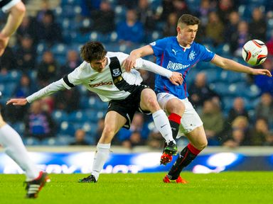 Fraser Aird battles with Michael Donald