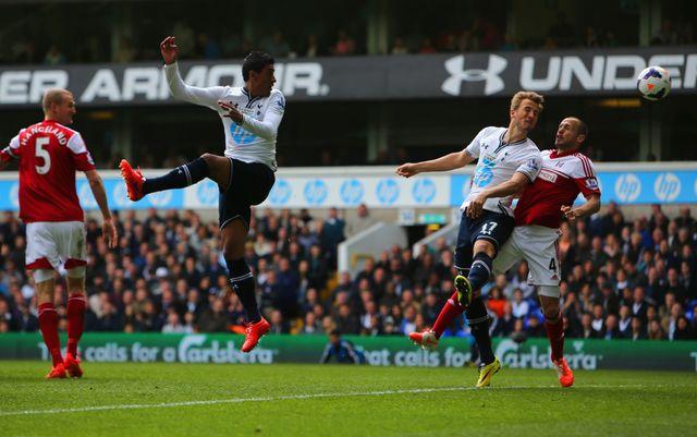 Harry Kane scores Tottenham's second goal