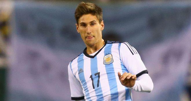 Federico Fernandez: Swansea set to sign Argentina defender