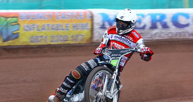 Simon Gustafsson Swindon Robins speedway (picture credit Les Aubrey)