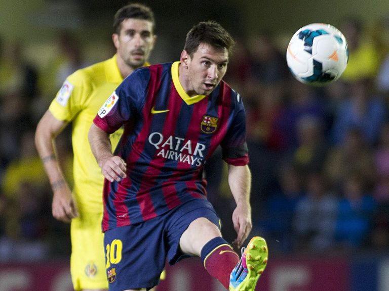 Lionel Messi: Barcelona contract extended