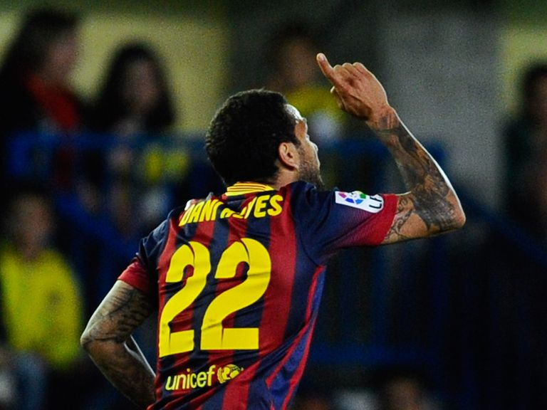 Dani Alves celebrates against Villarreal on Sunday
