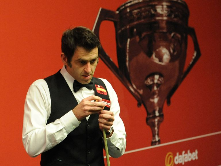 Ronnie O'Sullivan: Increased his lead to 11-5 over Barry Hawkins