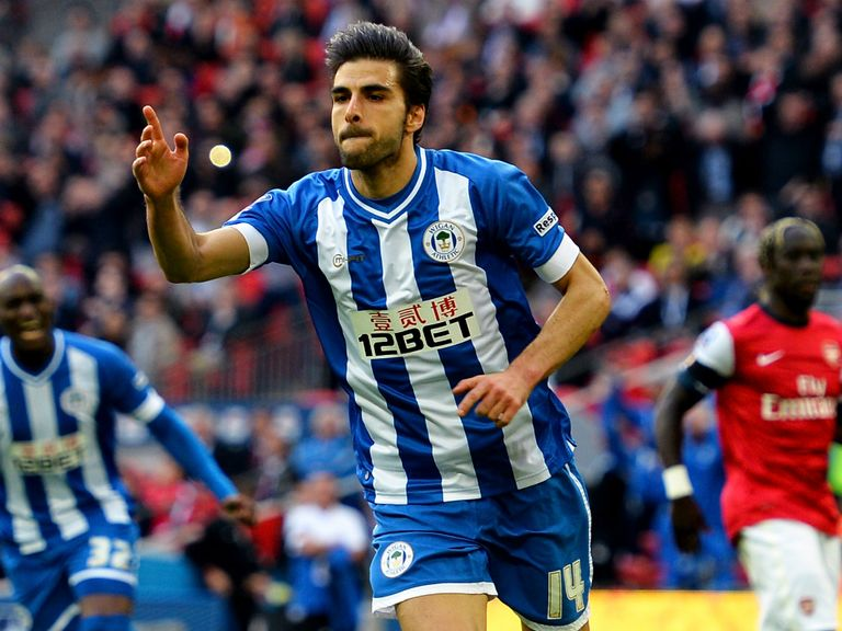 Jordi Gomez: Signs deal with Sunderland