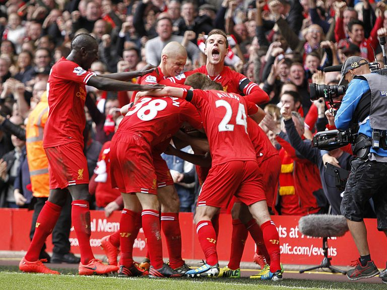 Liverpool celebrate the 3-2 victory over Manchester City