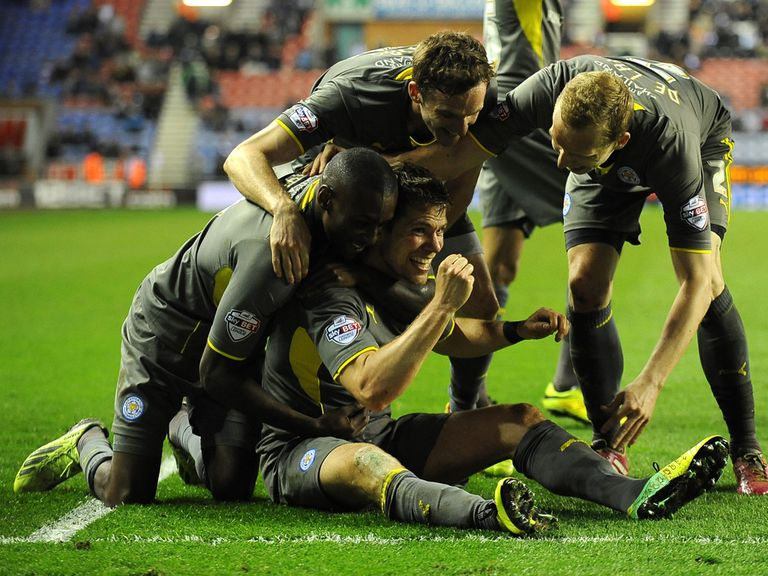 Leicester's Dean Hammond celebrates with his team mates