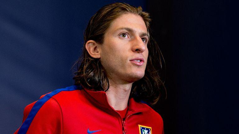 Filipe Luis: Set for Chelsea move