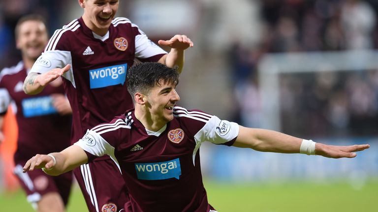 Callum Paterson: Signs new three-year contract with Hearts