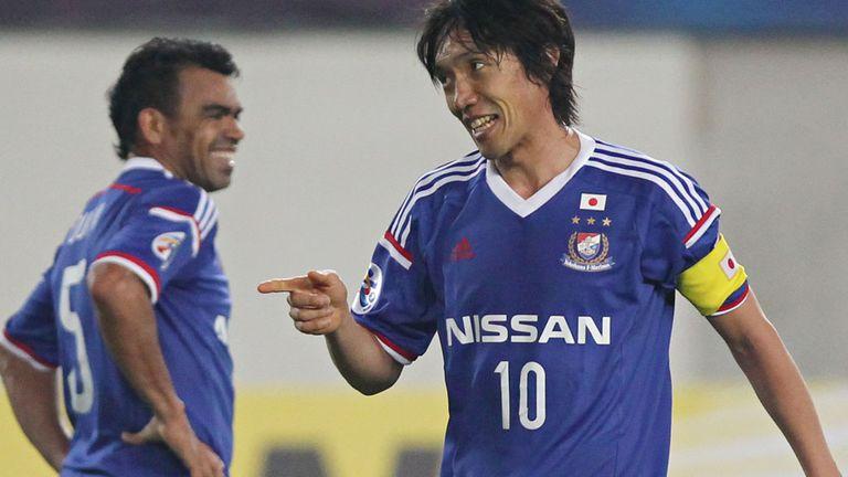 Shunsuke Nakamura (r) & Antonio Monteiro Dutra: Yokohama F Marinos stars