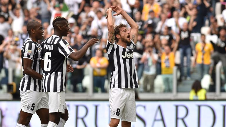 Claudio Marchisio (right) of Juventus celebrates