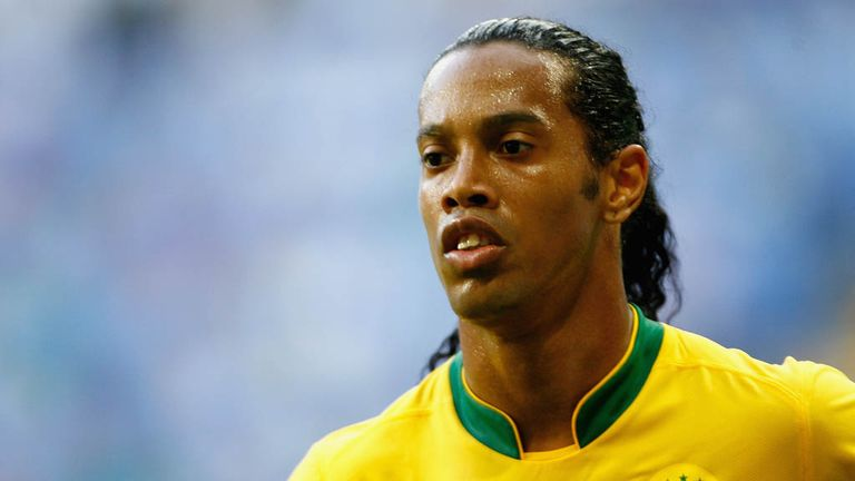 Ronaldinho: Looking for new club