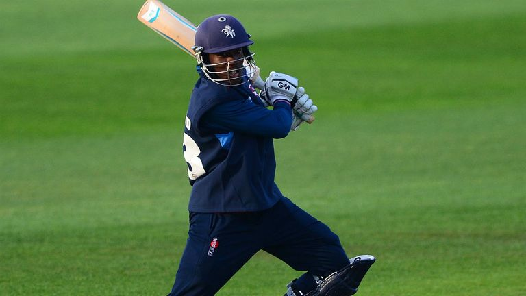 Daniel Bell-Drummond smashed 59 off 30 balls to help Kent beat Glamorgan