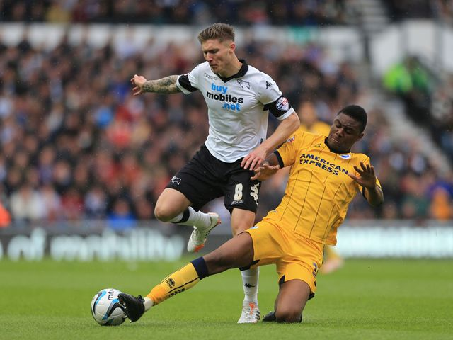 Jeff Hendrick is tackled by Rohan Ince