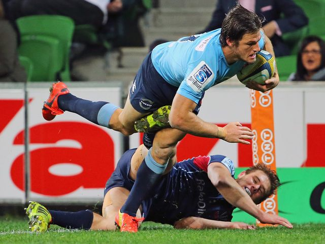 Rob Horne goes in for a Waratahs try