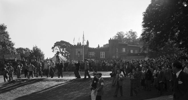 Crowds outside the clubhouse at the 1953 Ryder Cup at Wentworth