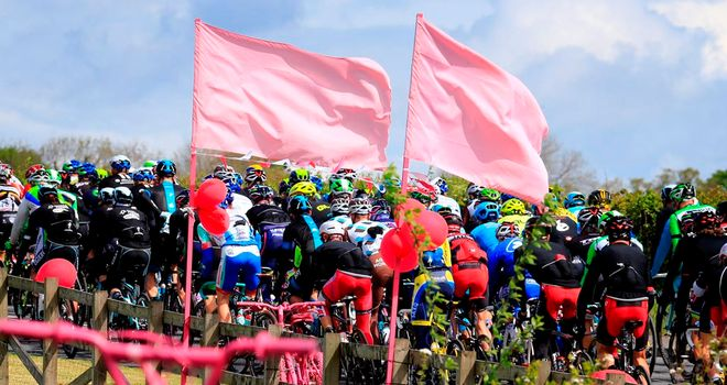 Huge crowds greeted the Giro d'Italia in Ireland