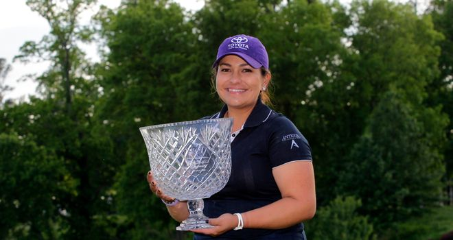 Lizette Salas with trophy after winning the Kingsmill Championship