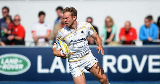 Chris Pennell: Worcester full-back may consider loan deal