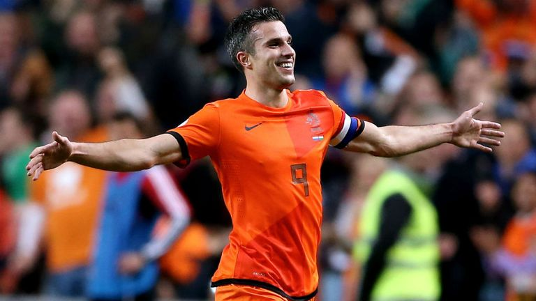 Classify holland fooball player van persie click here to view the original image of 768x432px fandeluxe Document