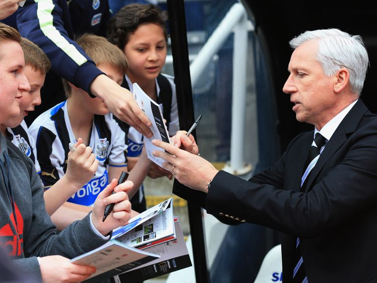 Alan Pardew: Looking to sign off with a win