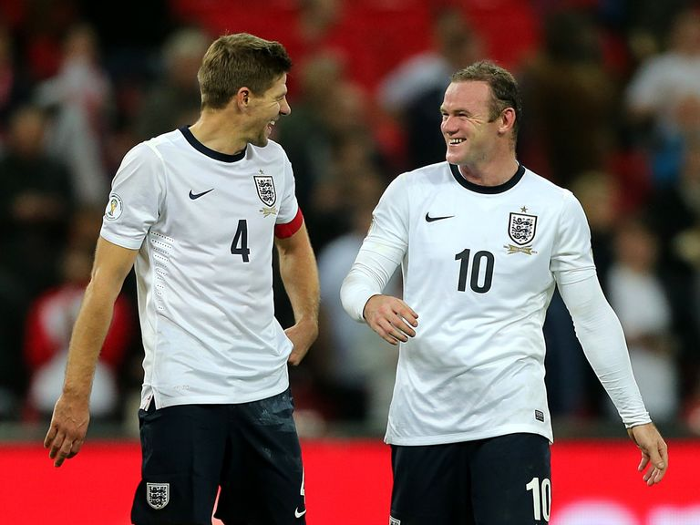Steven Gerrard (l) says Wayne Rooney good make a good England captain