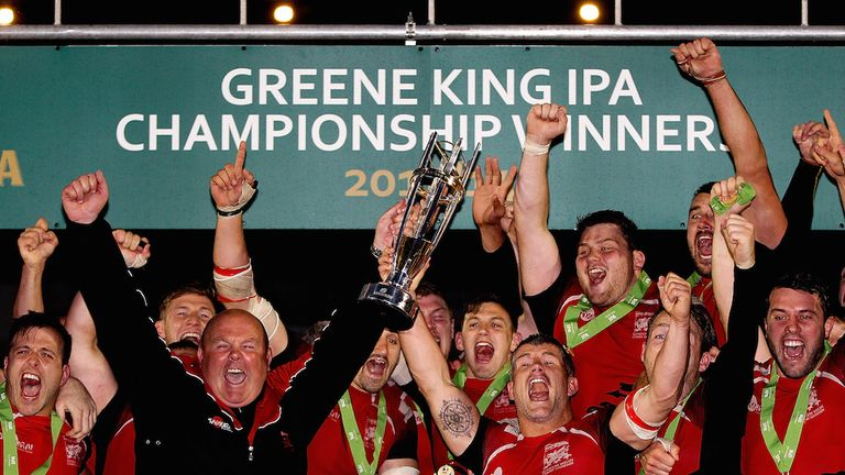 London Welsh celebrate winning promotion to the Premiership