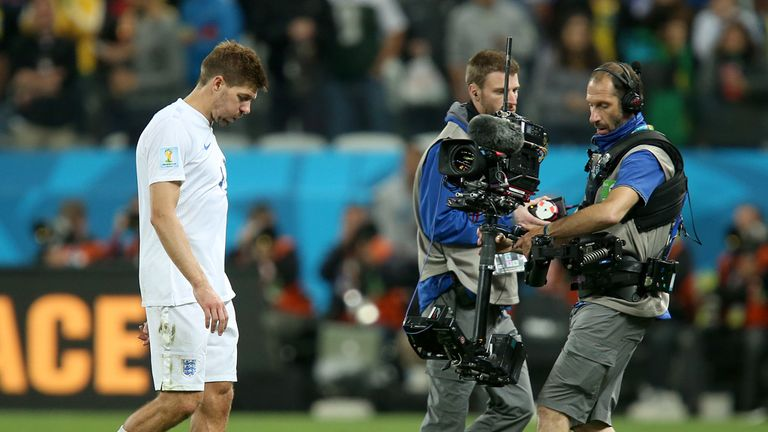 Steven Gerrard: England captain admits the team is now 'clutching at straws'