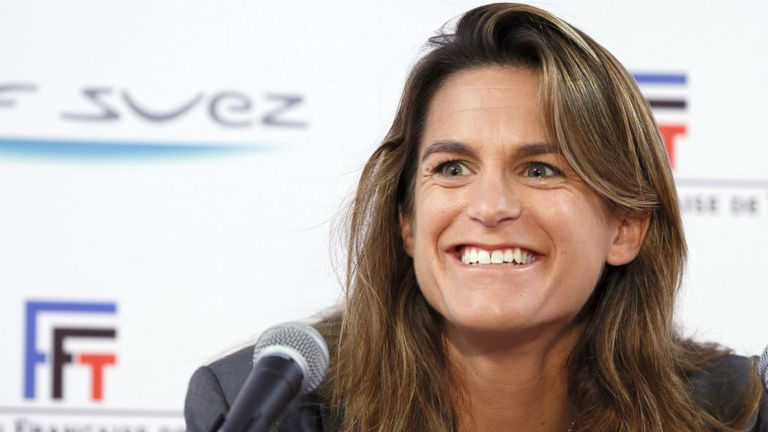 Mauresmo starts her partnership with Murray at Queen's
