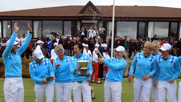 GB & Ireland celebrate their dramatic 10½-9½ victory at Nairn in 2012