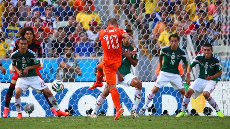 Wesley Sneijder equalises for Holland