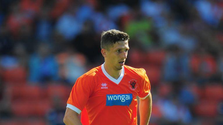 Craig Cathcart: Completes Watford move