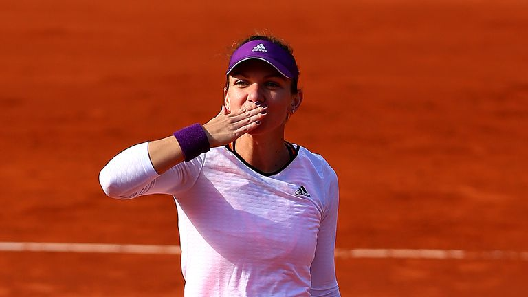 Simona Halep faces Maria Sharapova in the French final