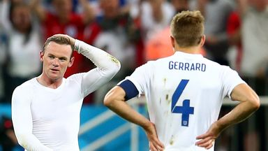 Steven Gerrard believes Wayne Rooney (l) should be the next England captain