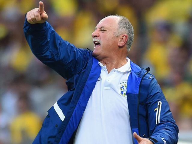 Luiz Felipe Scolari shouts some instructions