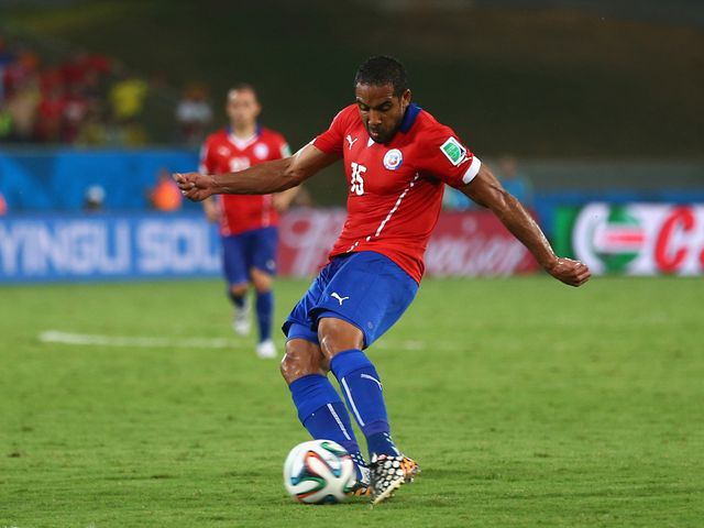 Jean Beausejour scores Chile's third goal