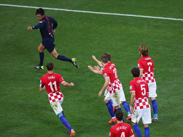 Croatia show their anger to the referee