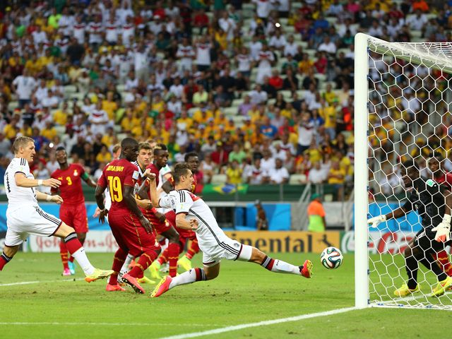 Miroslav Klose makes it 2-2 for Germany against Ghana
