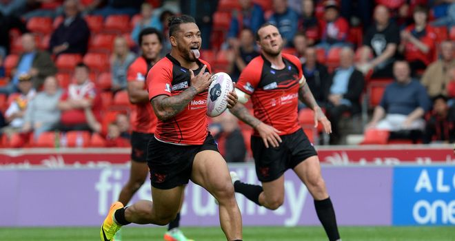 Salford Red Devils' Junior Sa'u put his side ahead for the first time