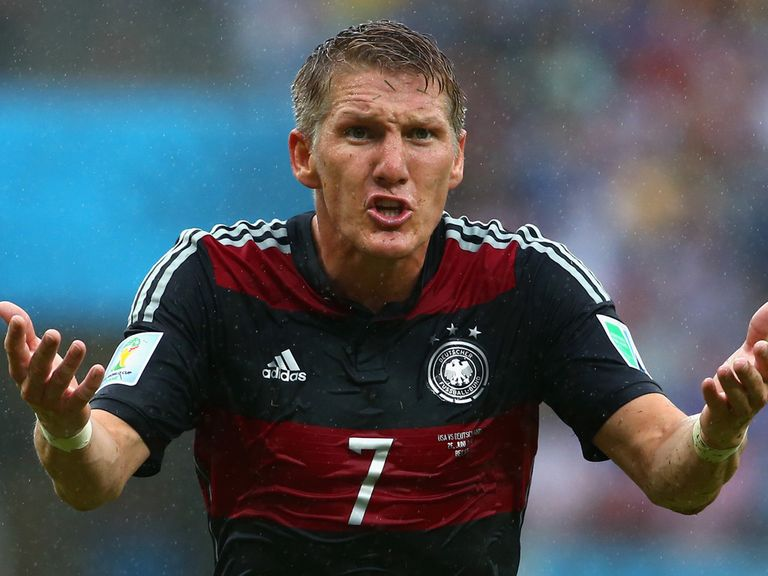 Bastian Schweinsteiger: Issues an apology