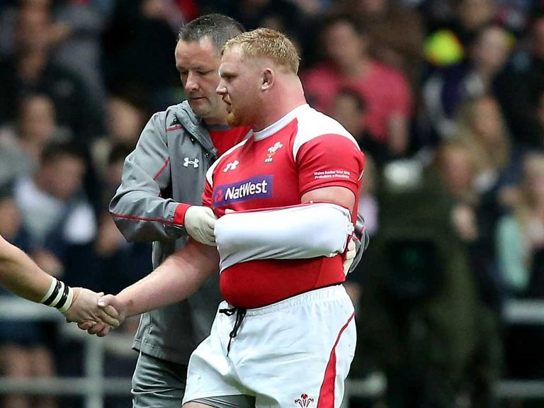 Samson Lee: Scarlets prop will make his full debut against South Africa