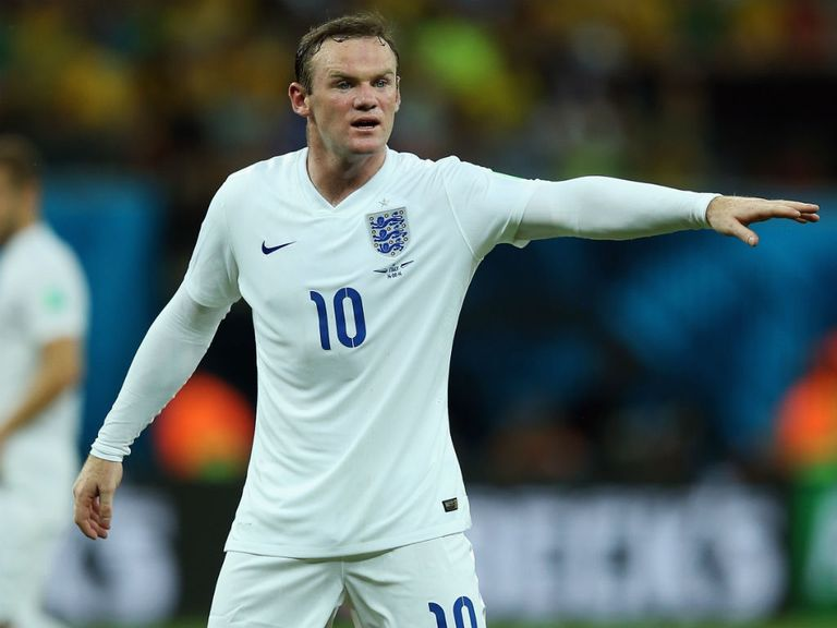 Wayne Rooney: Support from Jamie Carragher