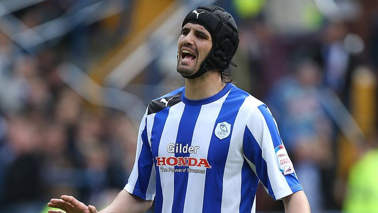 Miguel Llera: Handed Scunthorpe deal
