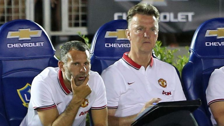 Louis van Gaal: Watches on in Pasadena with Ryan Giggs
