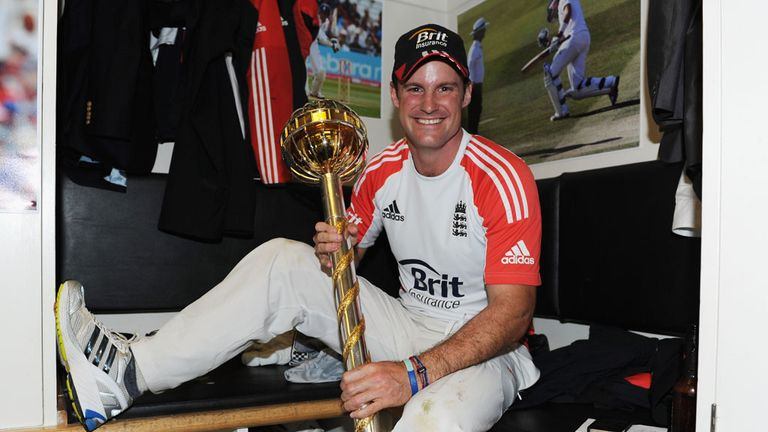 Andrew Strauss celebrates at the Oval after England are confirmed as the No 1 Test team