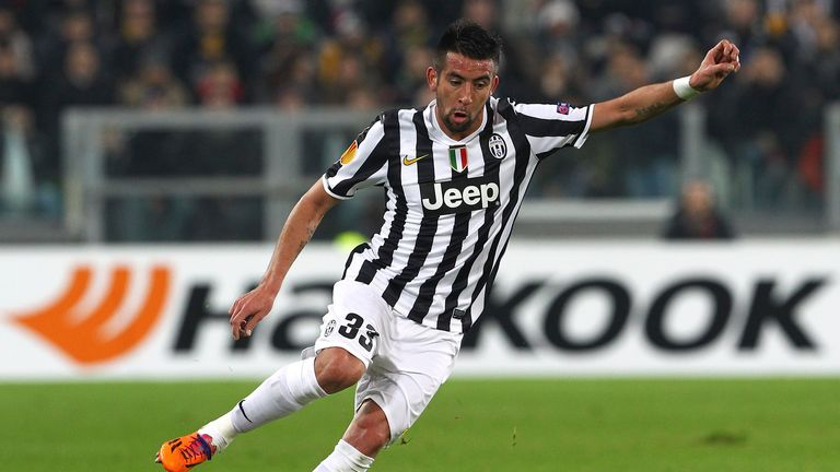 Mauricio Isla: Chile star joins QPR on season-long loan
