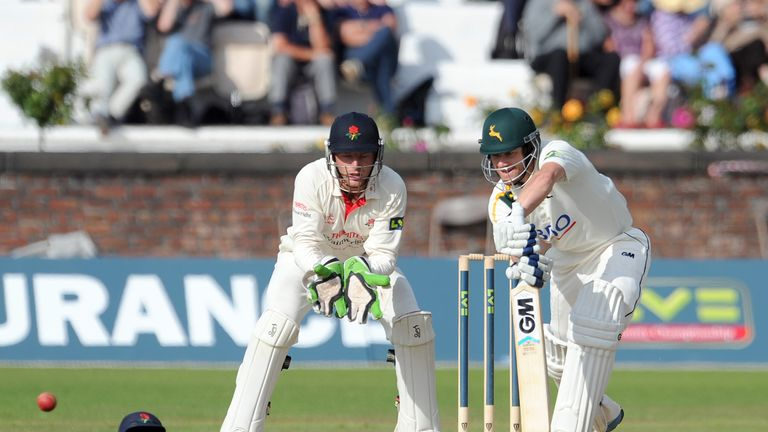 Chris Read: Notts skipper hit 40 not out in tense run chase