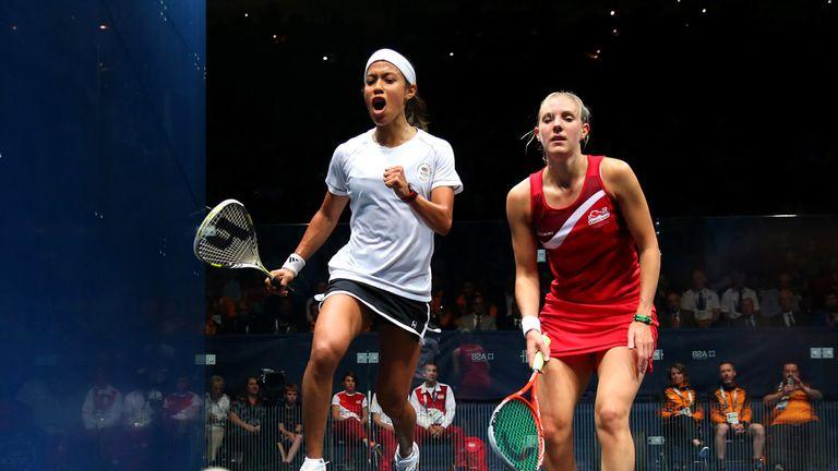 Nicol David (L): Too good for England's Laura Massaro in the women's gold medal match